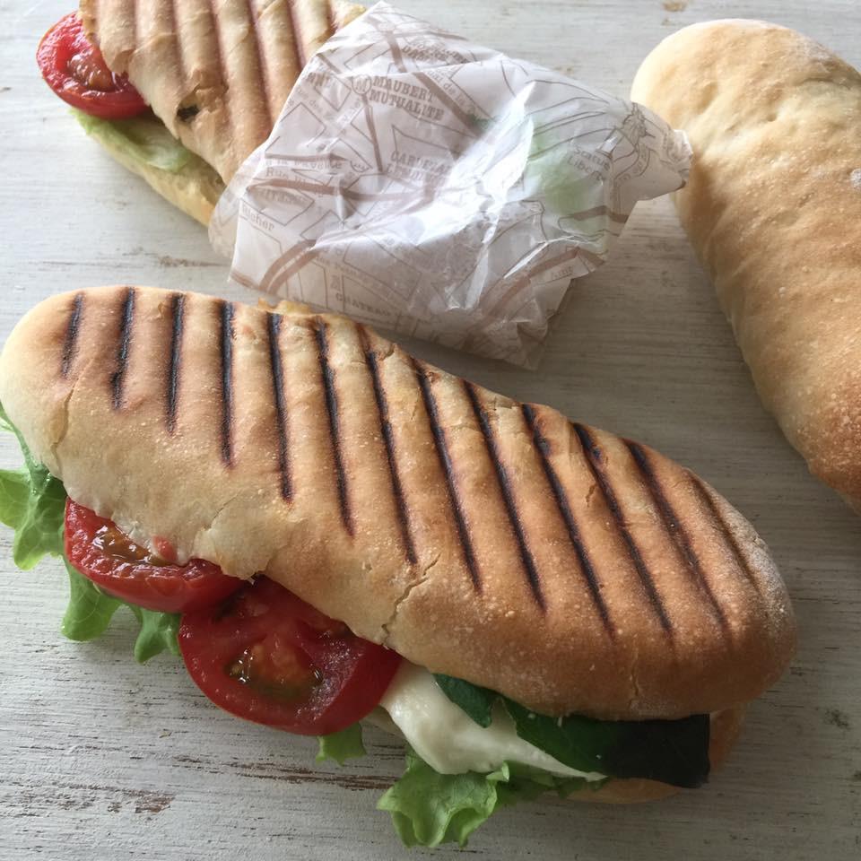 イタリアのパン パニーニ