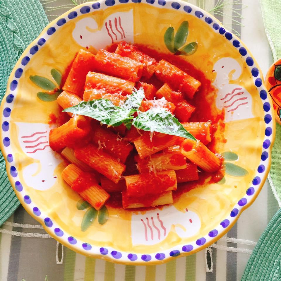 トマトのリガトーニ