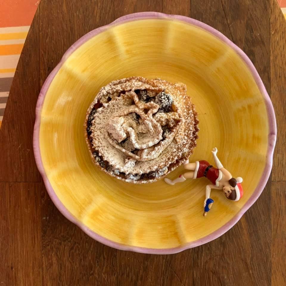 カラブリアのクリスマス菓子ピッタンキューザ