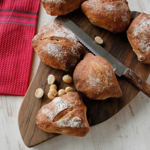 こねないパン ヘーゼルナッツのリュスティック