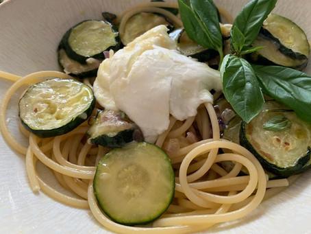 モッツァレッラとズッキーニのスパゲッティー