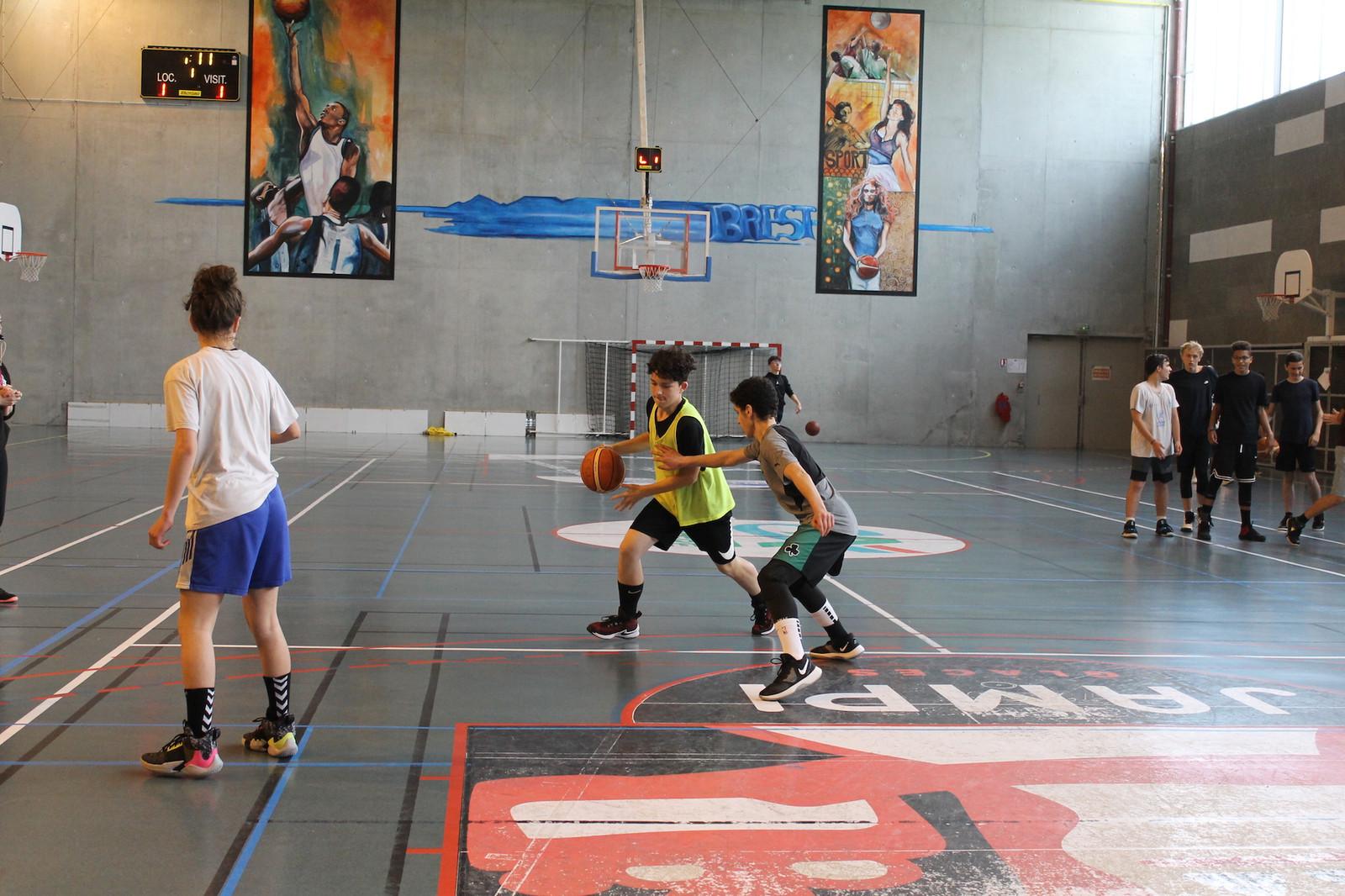 Fullscreen Page étoile Saint Laurent Basket 29