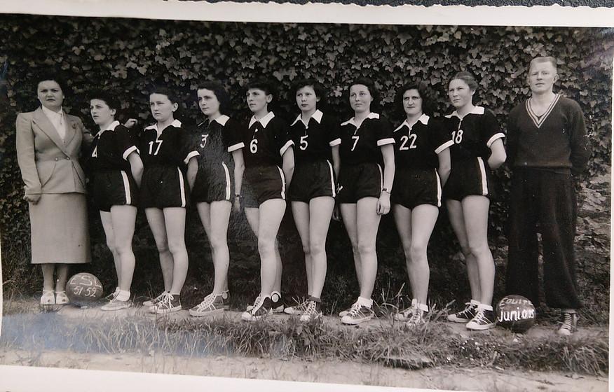 1952 - Equipe femme.jpg