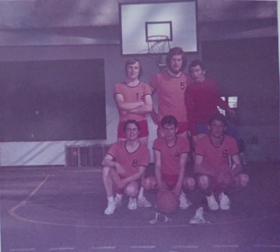 ESL Basket 1971 4.jpg