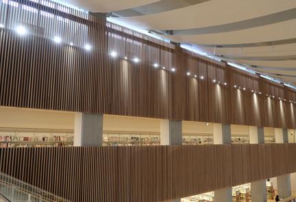 大崎市図書館 (9).JPG