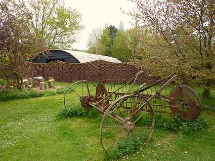 willow fence, willow weaving suffolk, willow fences, woven worlds, graham north, willow specialist