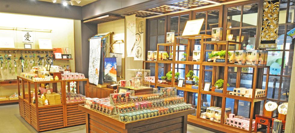 Mitsukoshi Displays