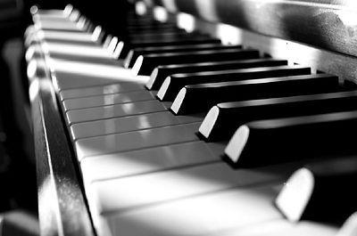 piano-noir-blanc-1024x678.jpeg