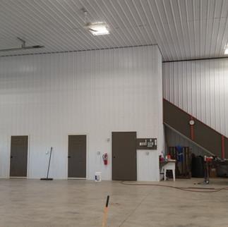 6,400 sqft commercial shop floor