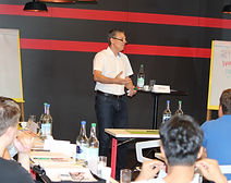 Marketing Seminar Moving-up