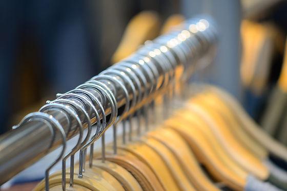 coat-hangers-3792840_1920.jpg