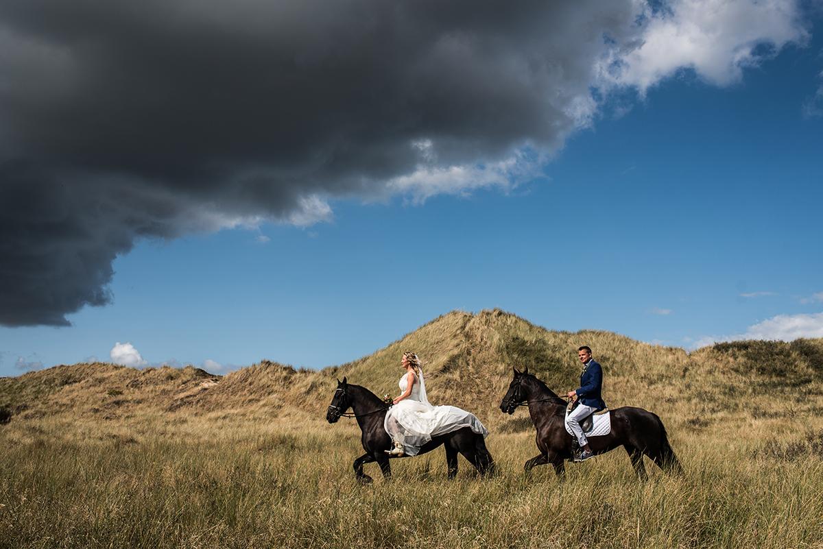 Trouwfotografie Terschelling paarden tro