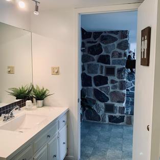 Une belle salle de bain relaxante