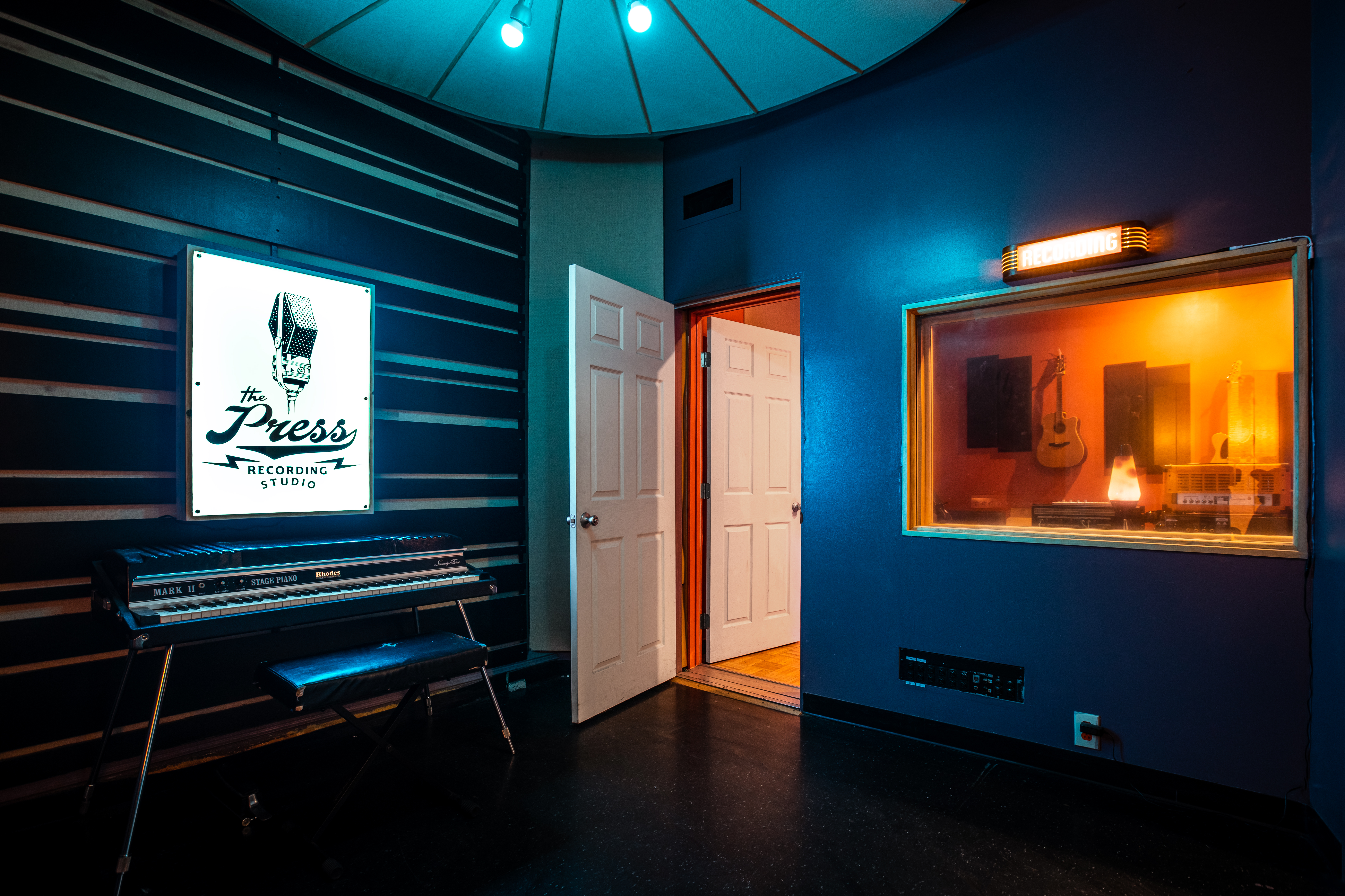 Studio A - Medium Room
