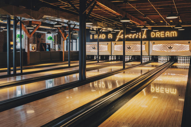 BNA Bowl - boutique 6-lane alley