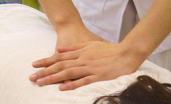 肩・腰・膝で お悩みの方のための姿勢調整施術