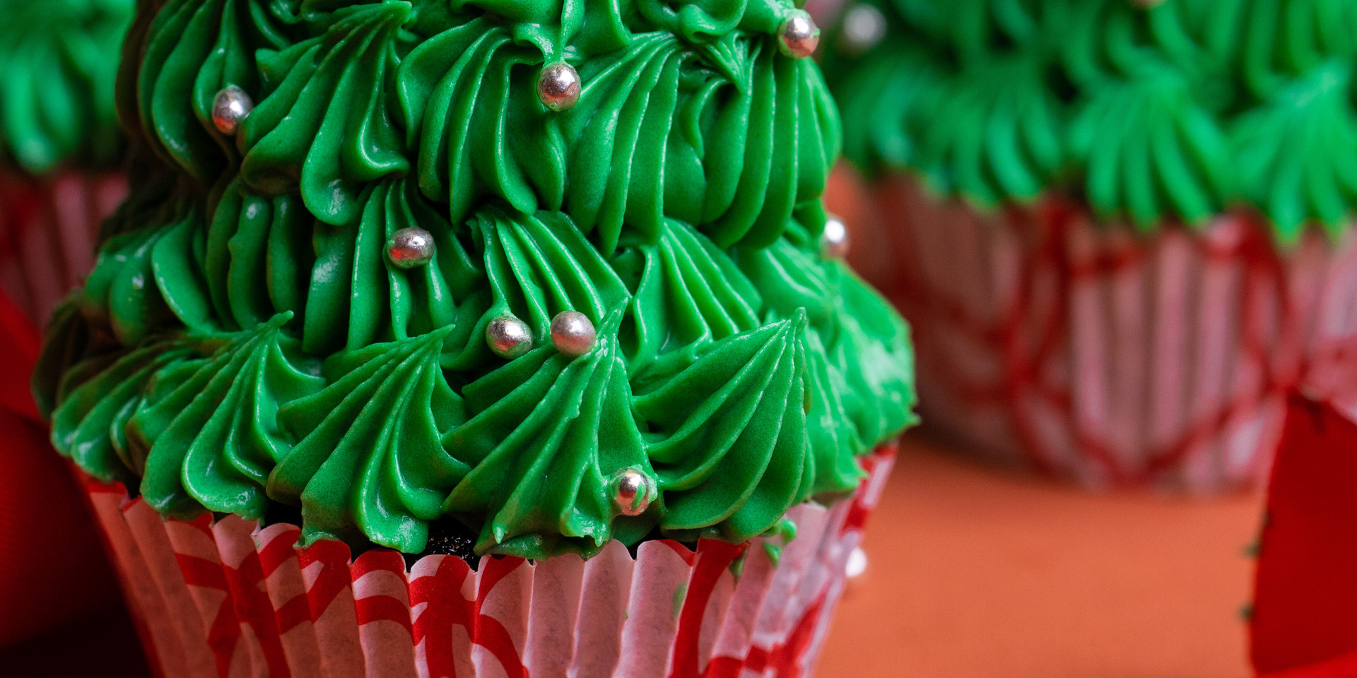 Christmas Cupcakes by The Rolling Pin