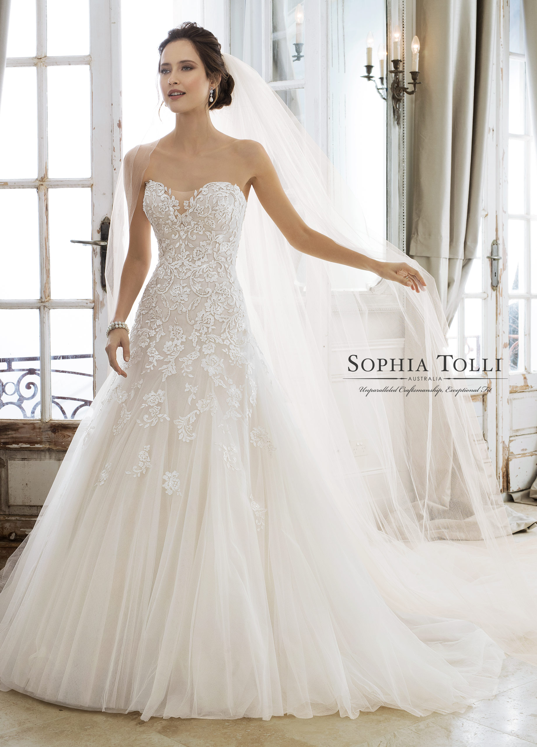 fit-and-flare-wedding-dress-Sophia-Tolli