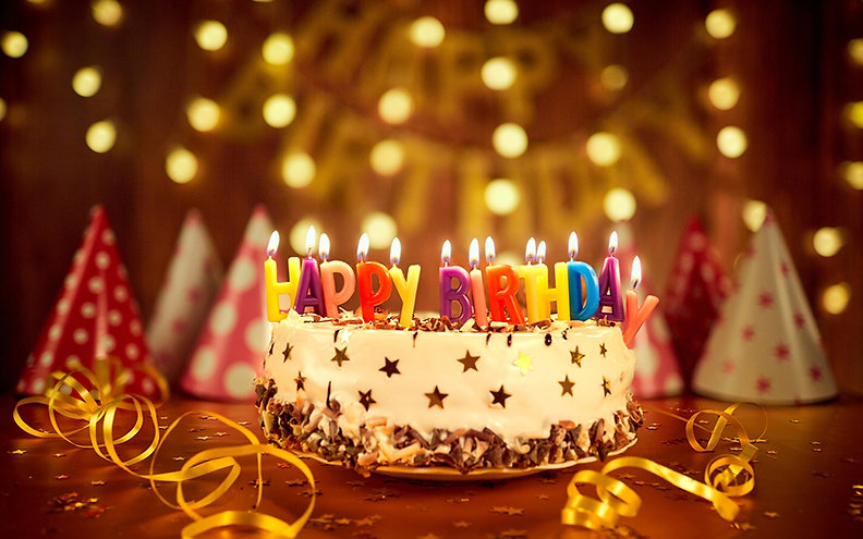 Holidays_Cakes_Candles_Birthday_English_