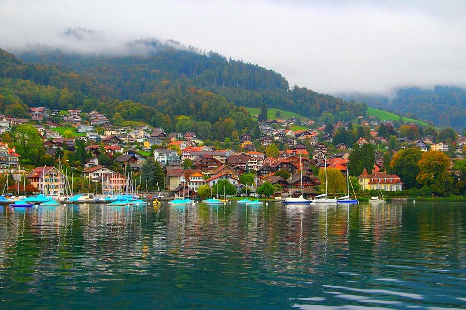 village lake Thun