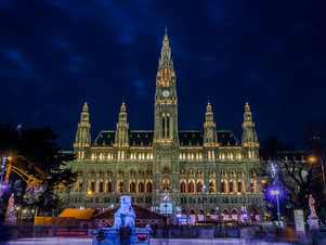 Vienna, see the full charm of an imperial capital.
