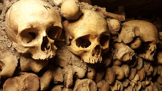 Haunted spooky places around the world, The Catacombs in Paris.