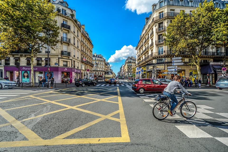 paris-sunny urban scene