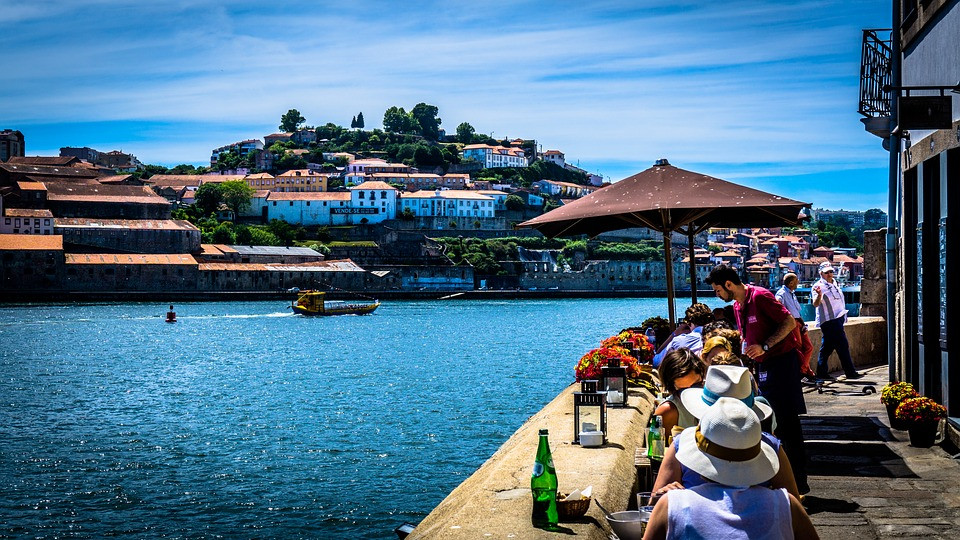 Cafe on the river Duoro in Porto