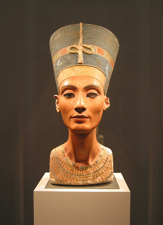 bust of Nefertiti at the new museum in Berlin