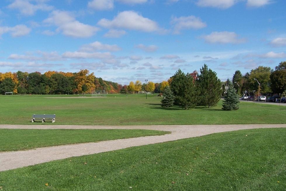 11 Churchill Park.JPG
