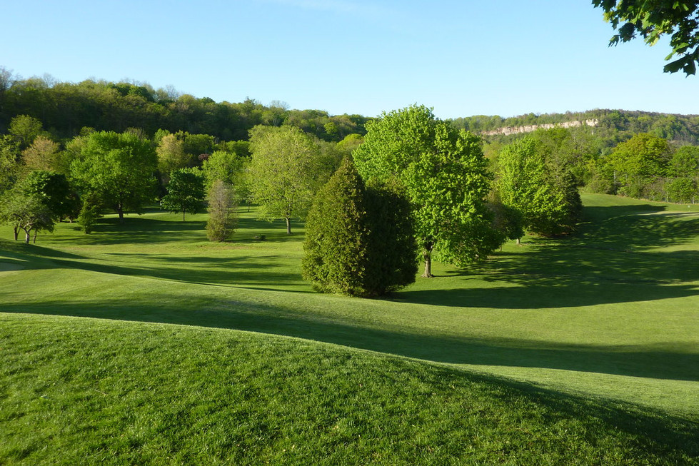 34 Dundas Golf.JPG