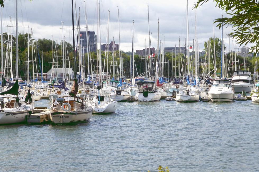 18 Downtown Yacht Clubs.JPG
