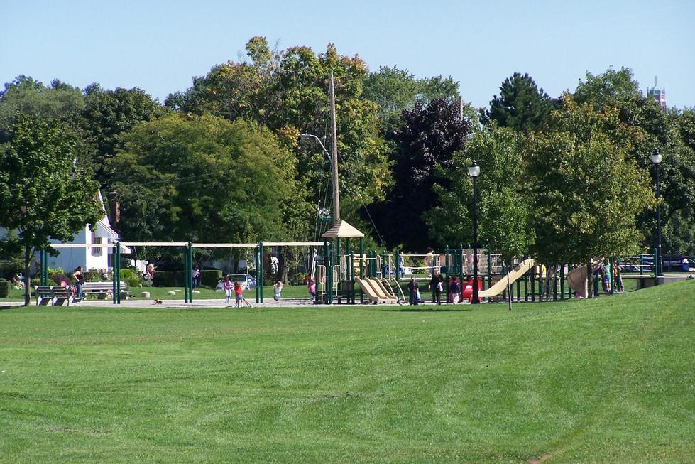 07 Churchill Park.JPG