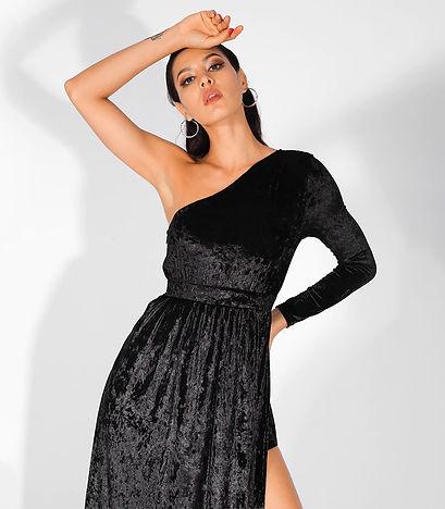 Fiona_Velvet_dress_2.jpg