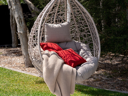 Hanging pod chair