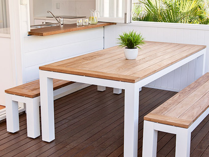 Alfresco bench setting