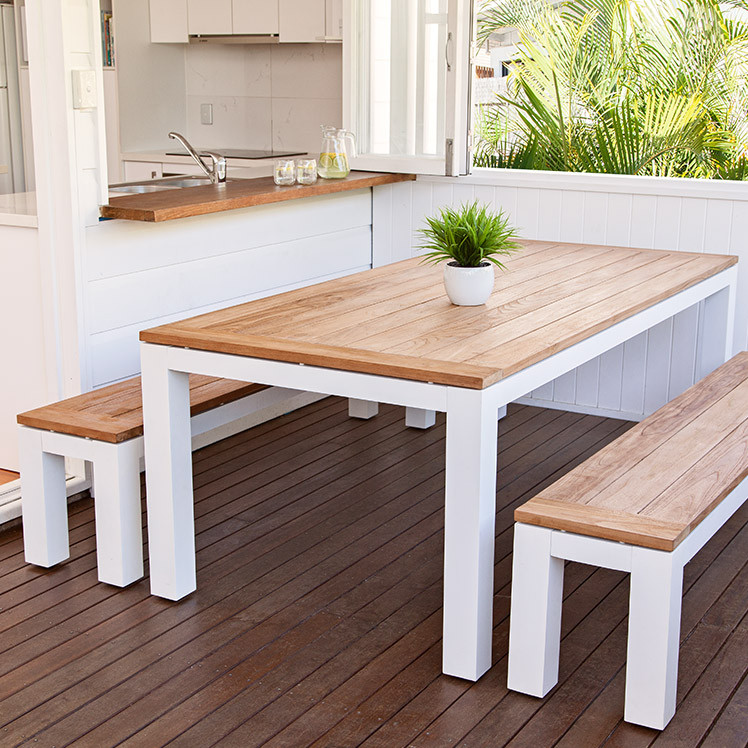 Alfresco bench setting