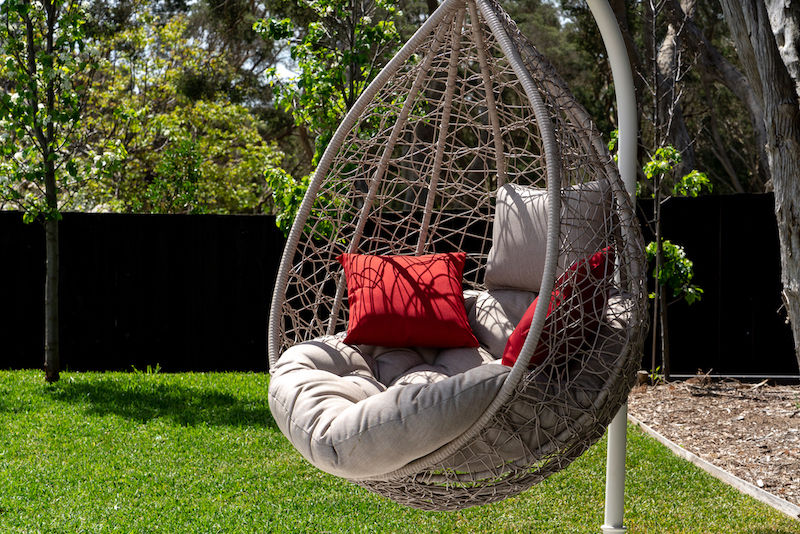 All weather hanging swinging chair