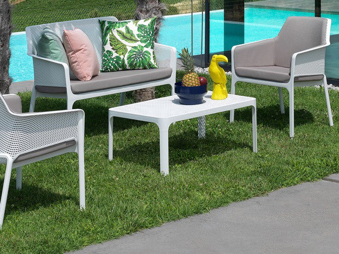 Nardi lounge setting