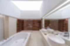 световой потолок в саузле.jpg