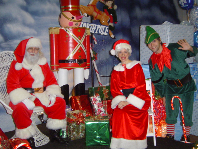 Santa, Ms Claus & Elf