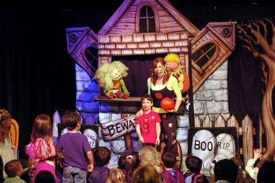 Kiddle Karoo Halloween Puppet Show