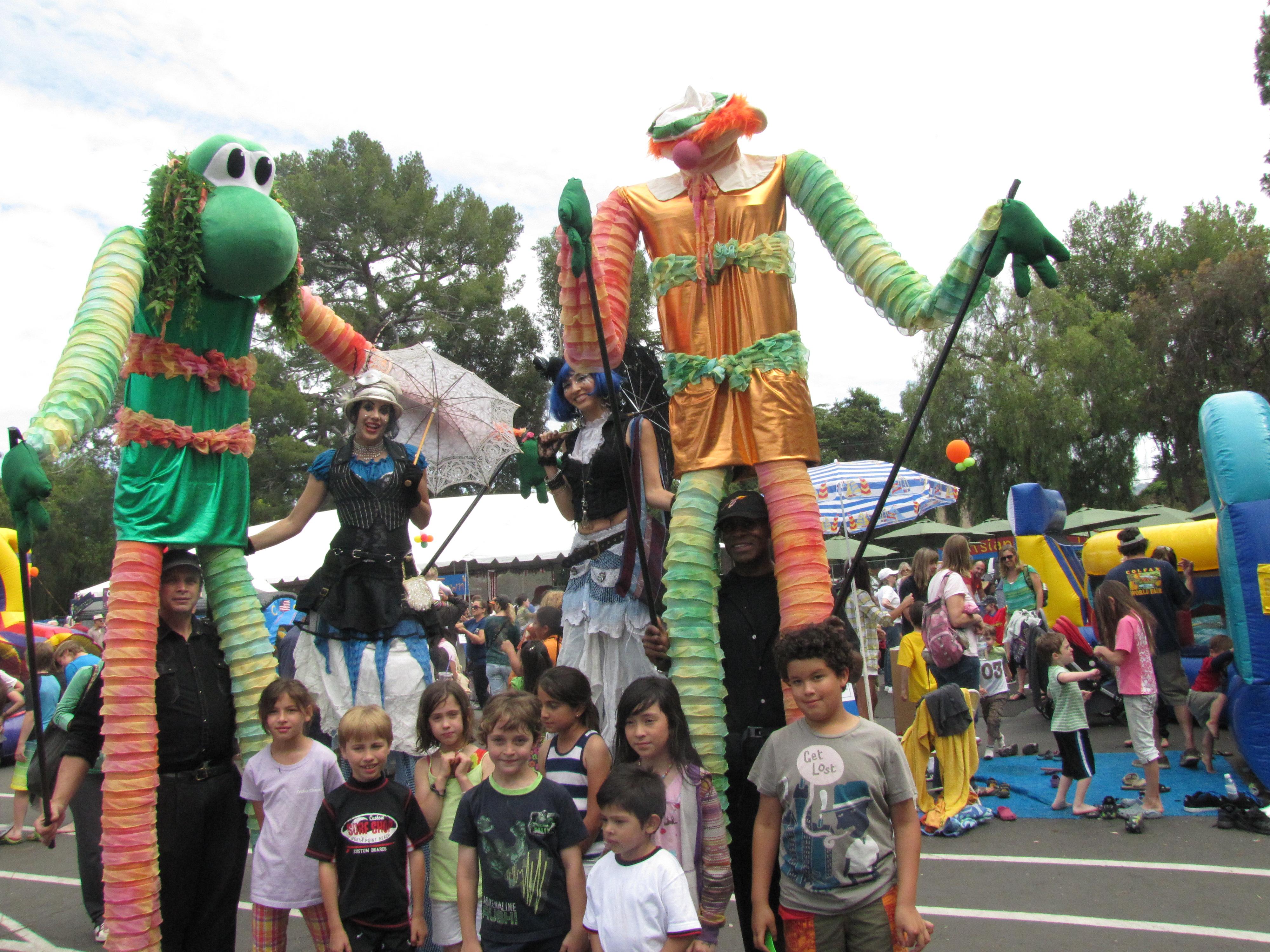 Stilt Walker & Parade Puppets