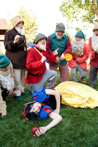 Snow White and & 7 Dwarfs