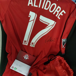 Jozy Altidore Signed Jersey