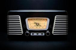 vintage-style-radio-black-chrome-record-