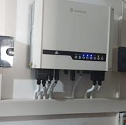 4.6 KW Goodwe hybrid inverter