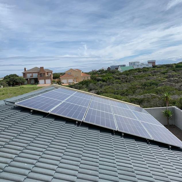 5.25 KW Canadian Solar PV array