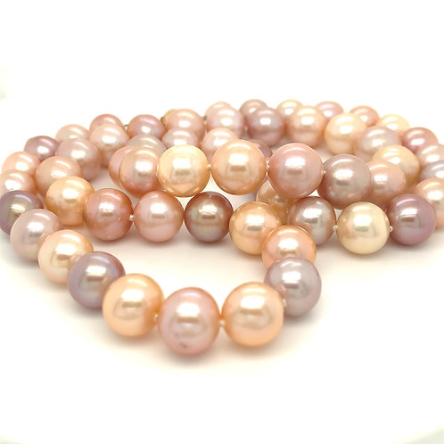 Freshwater Cultured Pearls in Shades of Pink - Necklace