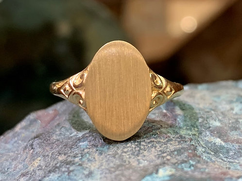 Lady's 14K Yellow Gold Signet Ring
